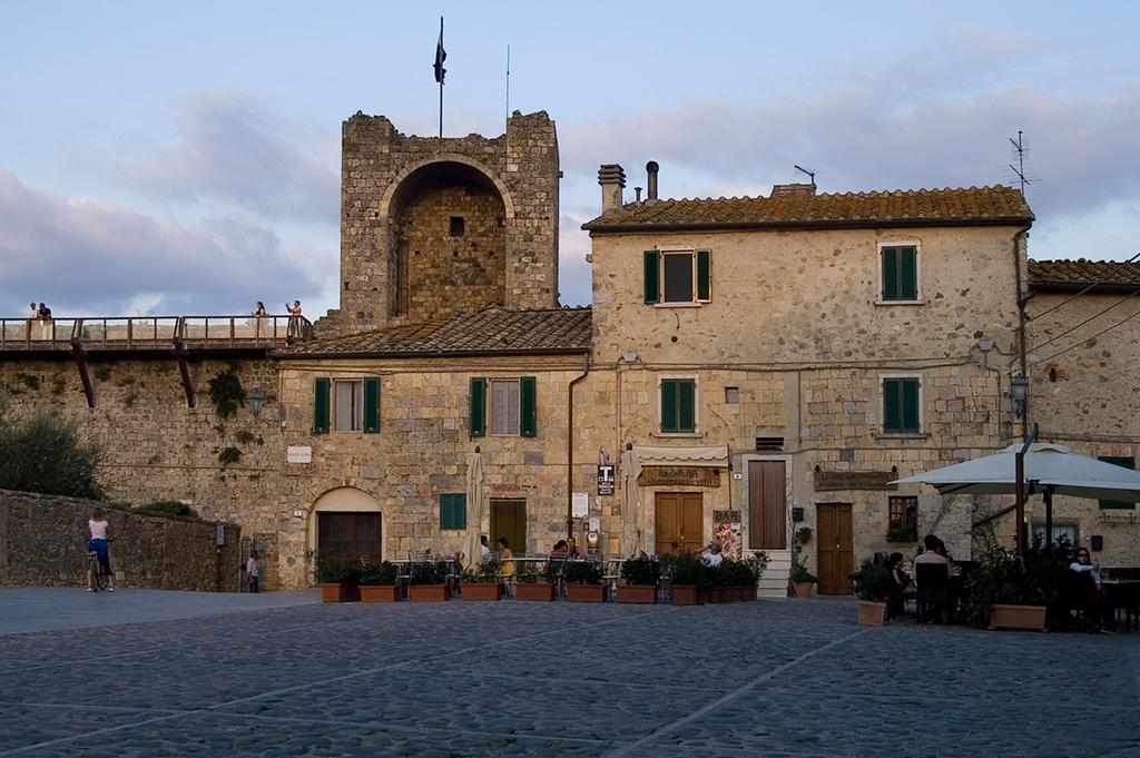 Monteriggioni, le torri che hanno ispirato Dante