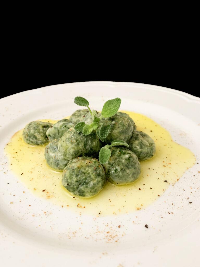 Gli gnudi, un piatto della cucina contadina